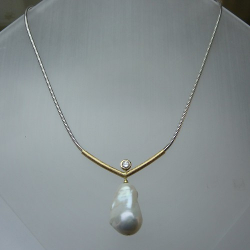Collier 750 WG+GG, Brillant 0,24ct W P1, Barockperle